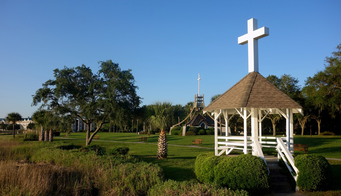 Scenic photo of Epworth by the Sea, the Christian retreat center in St. Simons Island, Ga. named to honor the boyhood home of John and Charles Wesley. Photo by Diane Degnan, United Methodist Communications.